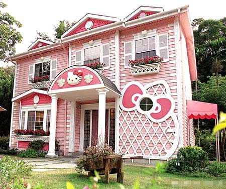 Marvelous Hello, Kitty Themed House In Shanghai