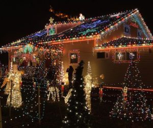 awesome outdoor christmas lights house decorating - How To Decorate Your House With Christmas Lights