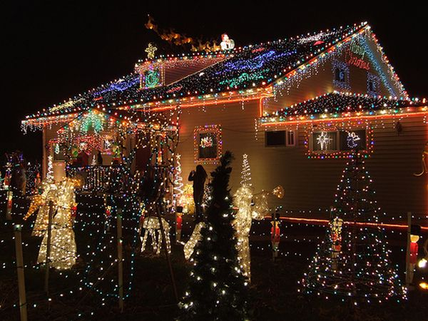 awesome outdoor christmas lights house decorating - Christmas House Decorations Outside