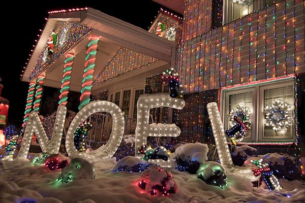 Outdoor Christmas Lights House Decorating