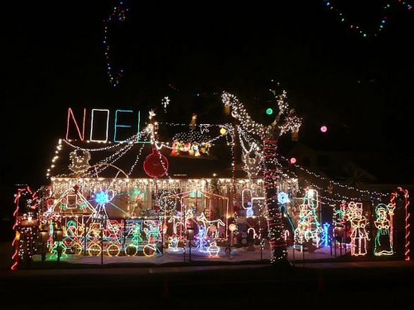 View in gallery & Awesome Outdoor Christmas Lights House Decorating