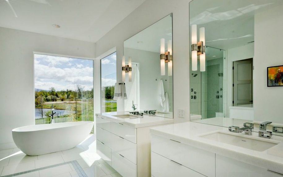 Make A Large Bathroom Feel Even Larger With Mirrors And Bright Colors