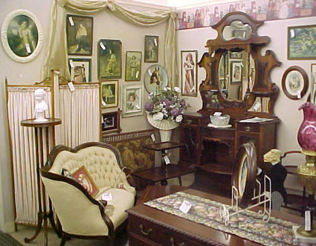Arrange your house in victorian style for Victorian home furniture