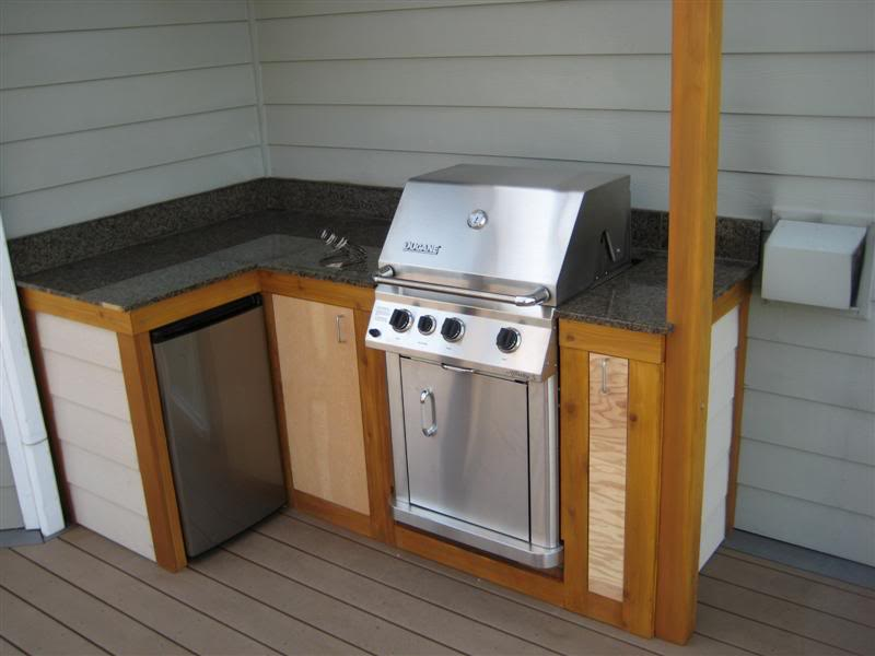 How to build outdoor kitchen cabinets for Built in kitchen cupboards for a small kitchen
