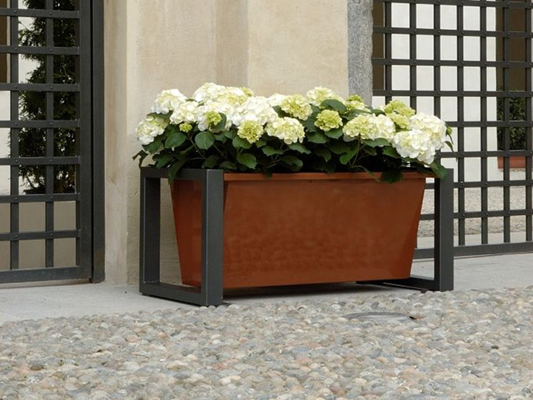 Titta copper flower pot