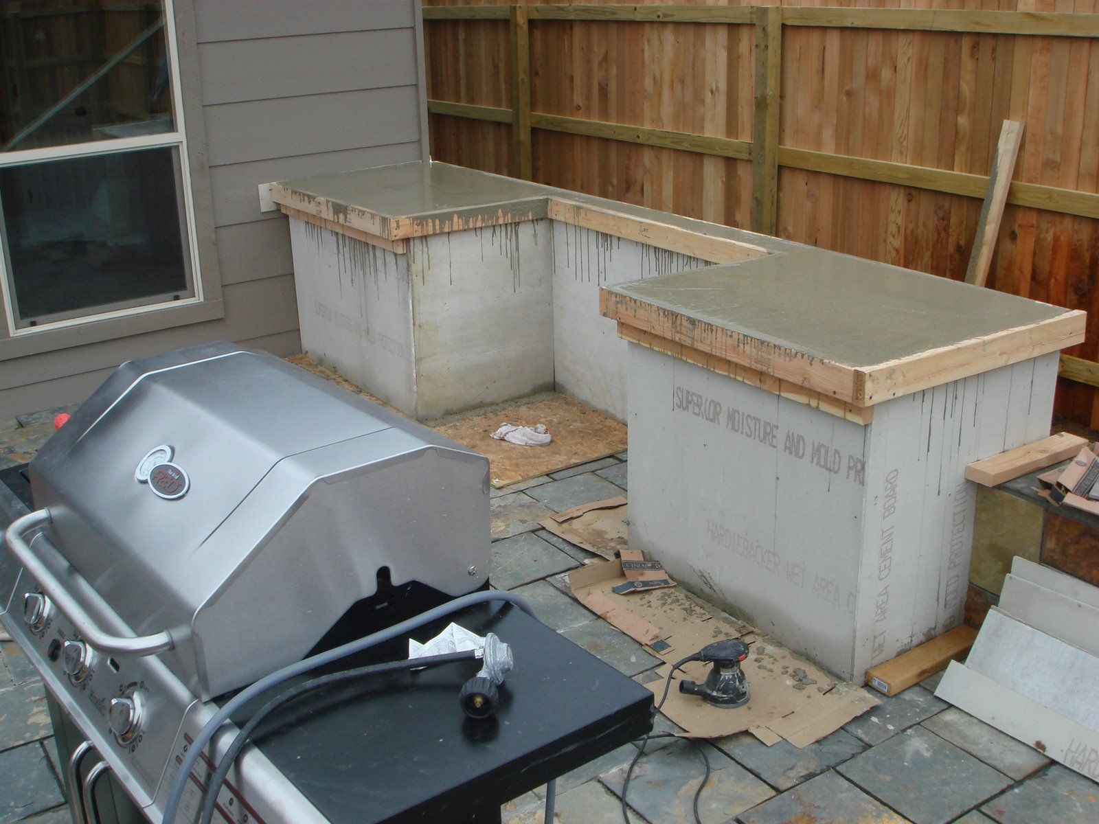 How to build outdoor kitchen cabinets for Building outside design