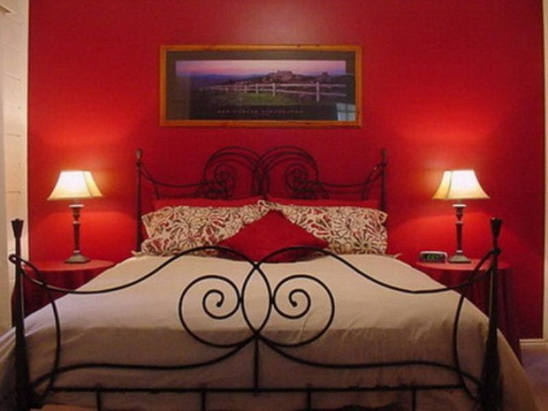 Romantic Bed how to create a romantic bedroom for valentine's day?