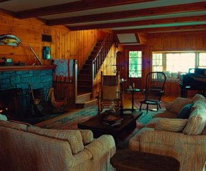 How to Decorate Your House to Look Like a Rustic Environment