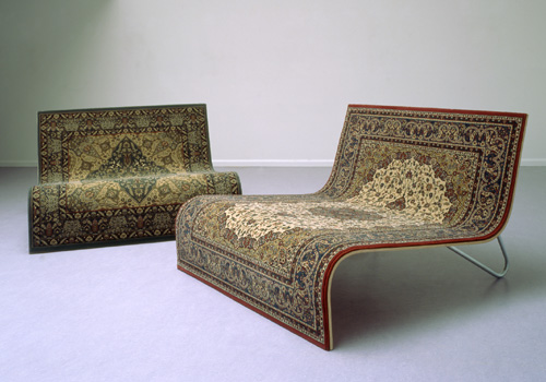 Magic flying carpet sofa by tonio de roover for Sofa reciclado