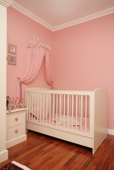 Pink and white room for your baby girl - Idea for a toddler girls room ...