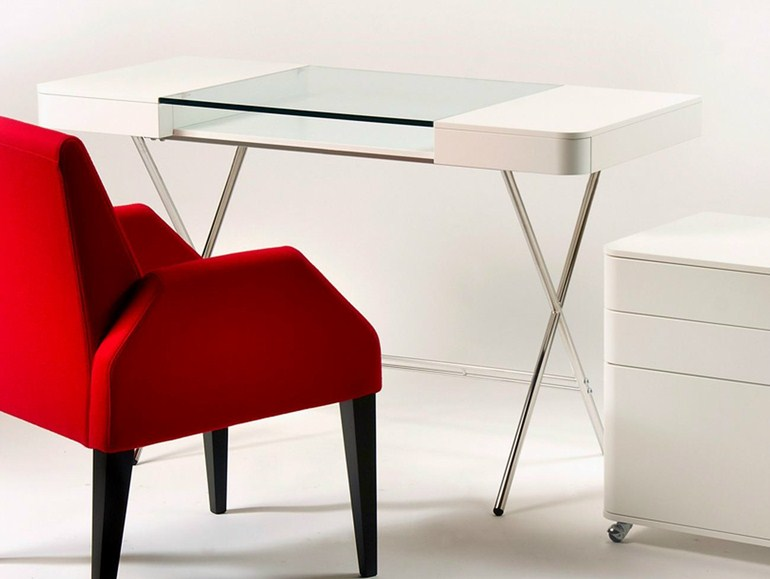 5 Modern Glass Furniture Pieces With Simplistic Designs