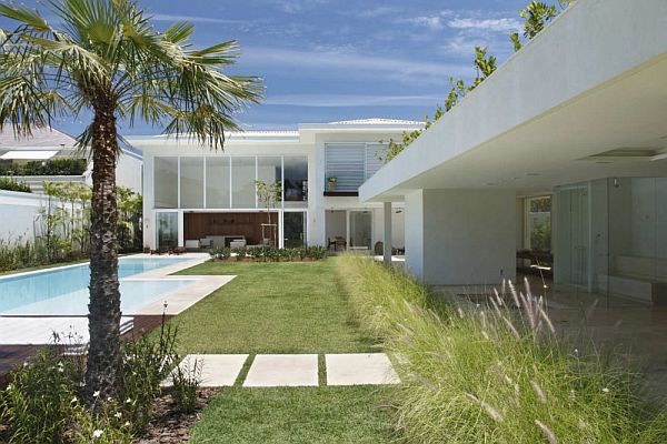 The L Shaped House In Barra Da Tijuca By Progetto