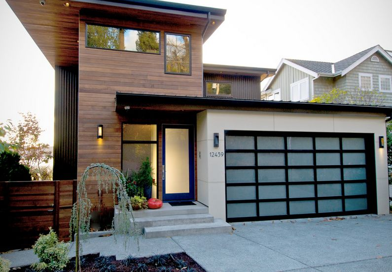 Different types of glass that front doors can feature Types of modern houses