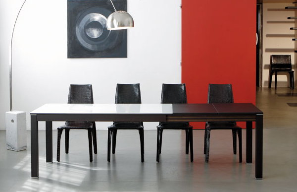 Practical Extendable Frame Table From Ozzio