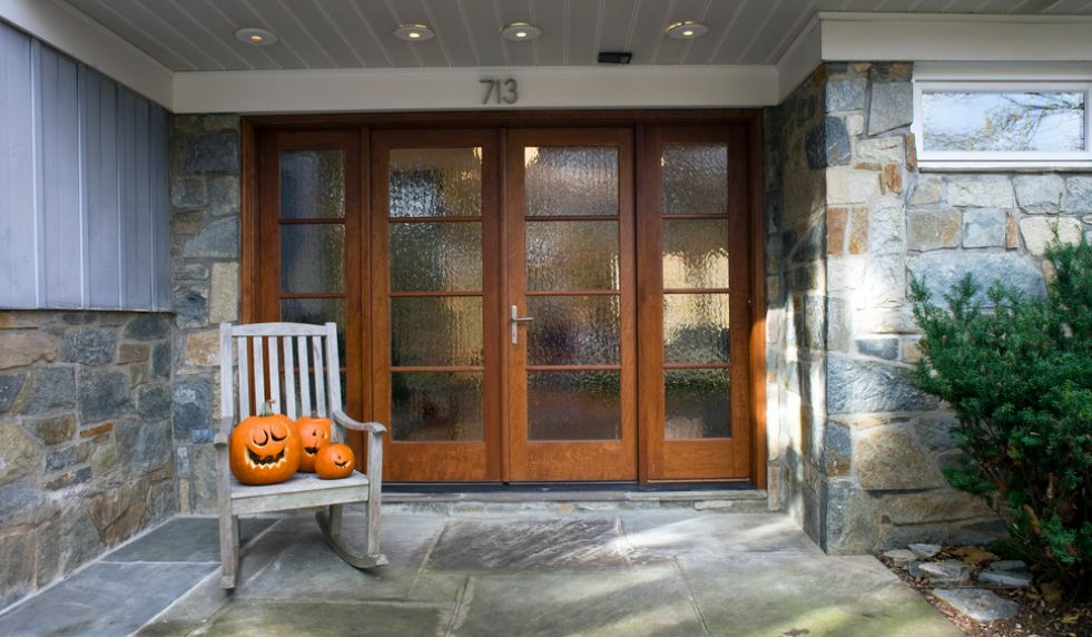 Different types of glass that front doors can feature for Different types of doors for houses