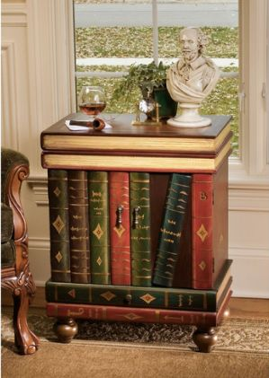 Bon The Lord Byron Wooden Side Table