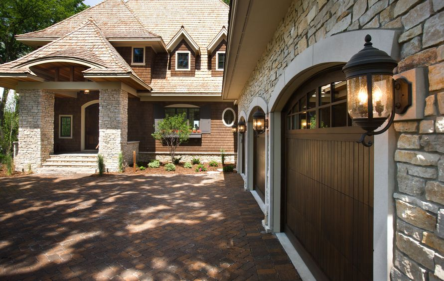 Know Your Options Before Choosing The Ideal Garage Door
