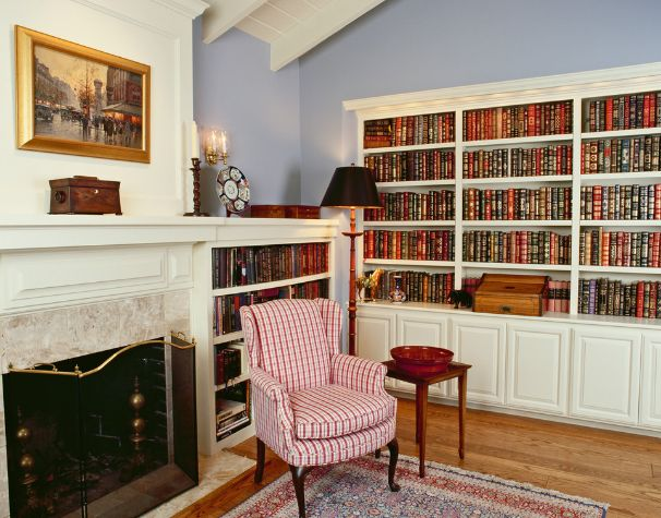 Decorate a traditional bookcase with books