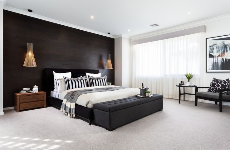 Large and spacious bedroom