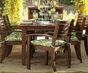 Extending dining table for outdoors
