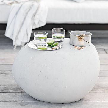 Merveilleux Versatile Pebble Side Table