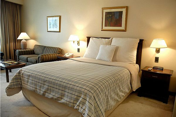 Difference Between The Varied Bed Sizes King Queen Twin - Queen bedrooms