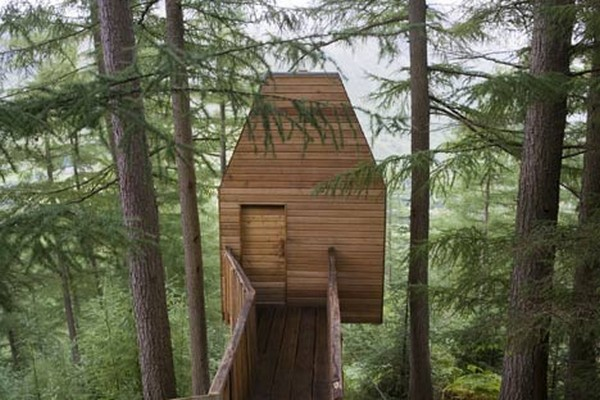 Superb Artistic Treehouse Studio In Scotland