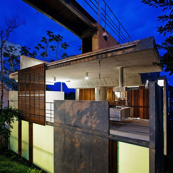 Challenging Project In Brazil The Carapicuiba House · View In Gallery