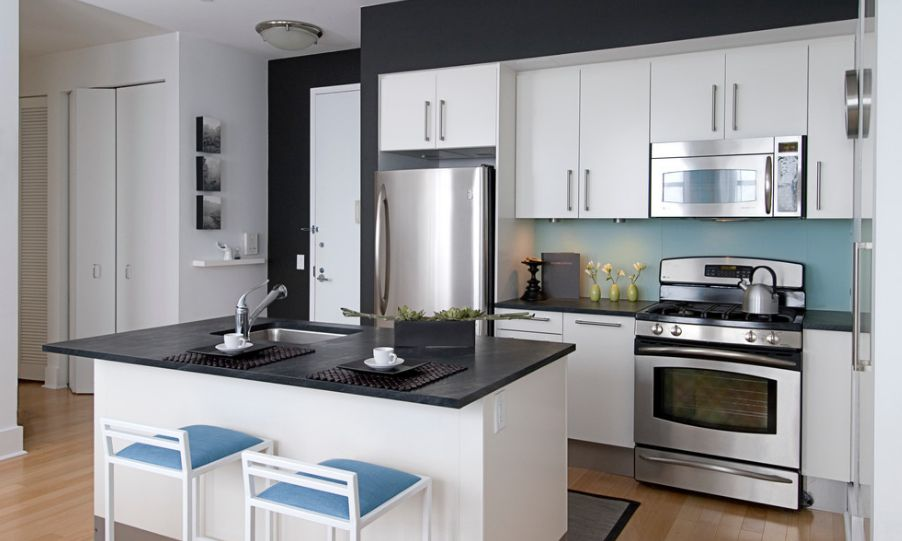 Minimalist trends white kitchen cabinets for a chic and for Basic white kitchen units