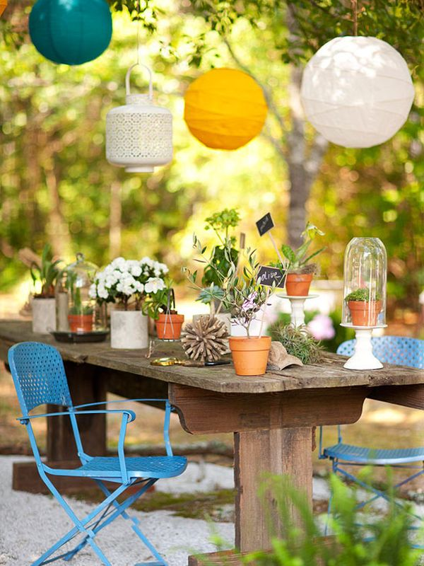colorful flowers on table home decorating trends homedit - Outdoor Decorations For Summer