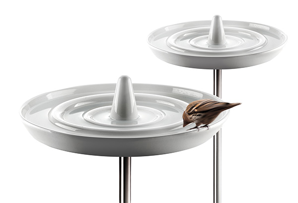 Refreshing ceramic bird bath