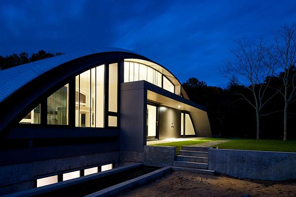 Comfortable Arc House By Maziar Behrooz Architecture