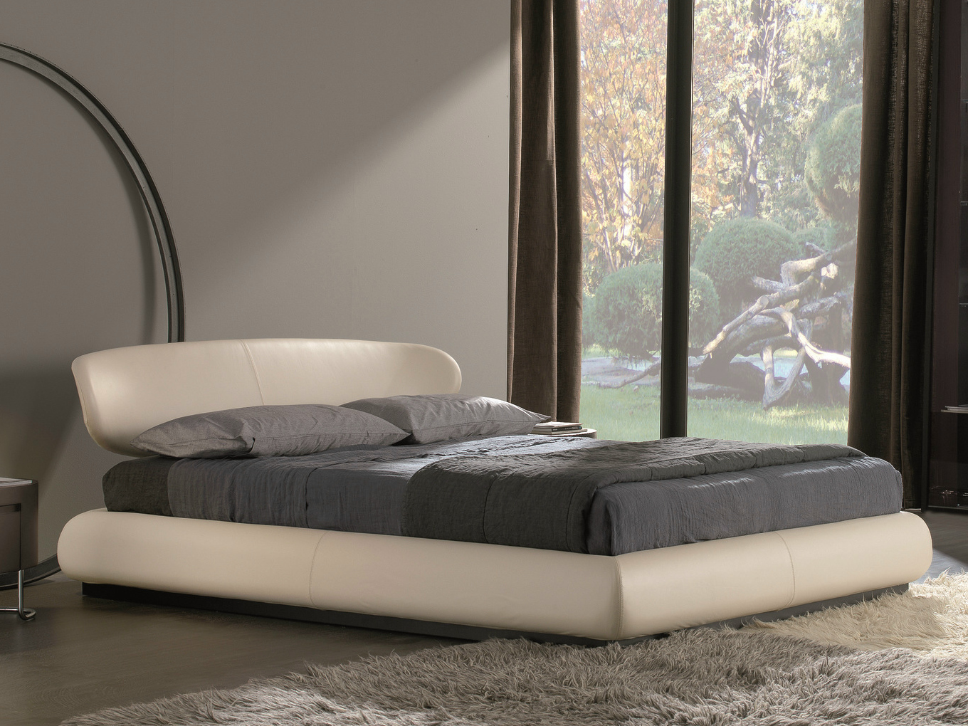 The pros and cons of faux leather beds for Misuraemme bed