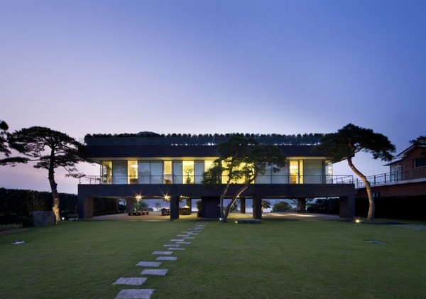 Contemporary Floating House In South Korea