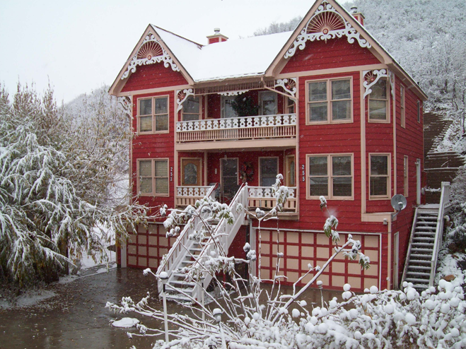 The gingerbread house in utah for Victorian gingerbread house plans