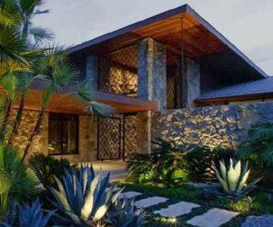 Beverly Hills Mansion Belonging to Jennifer Aniston for Sale