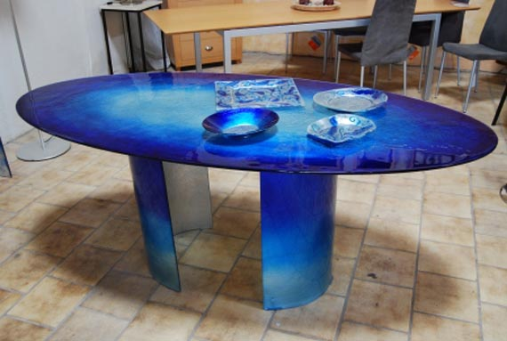 Relaxing Marine Glass Collection Dining Table