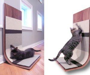 Modern critter Cat Scratcher