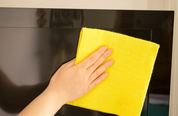 How To Clean Your Hdtv Without Doing Any Damage