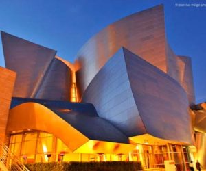 Impressive Walt Disney Concert Hall by Frank Gehry in California