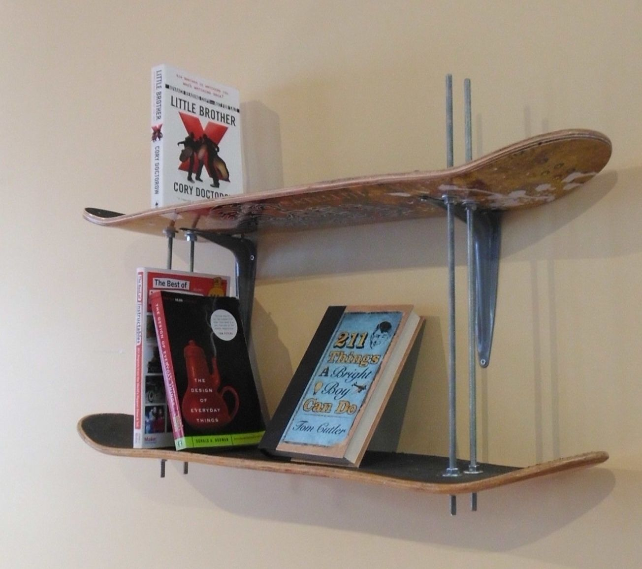 Practical diy skateboard bookshelves turn the old skateboards into shelves amipublicfo Images