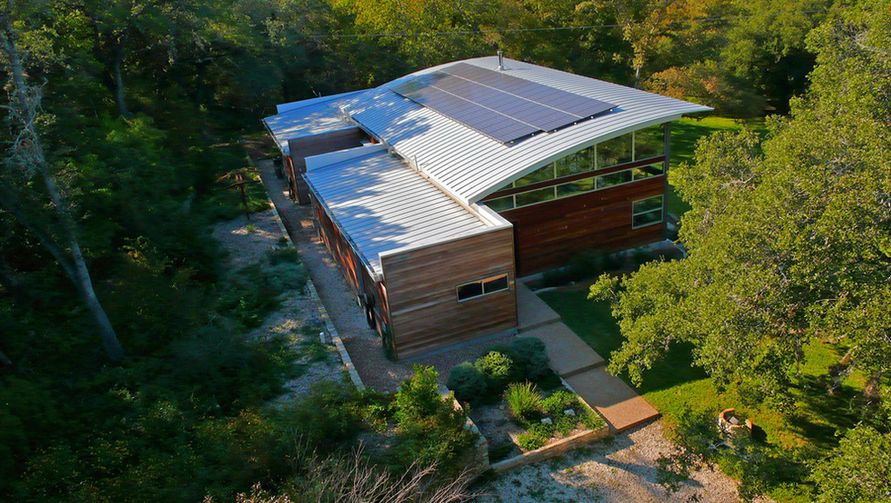 What You Need To Know About Solar Panels And How They Help