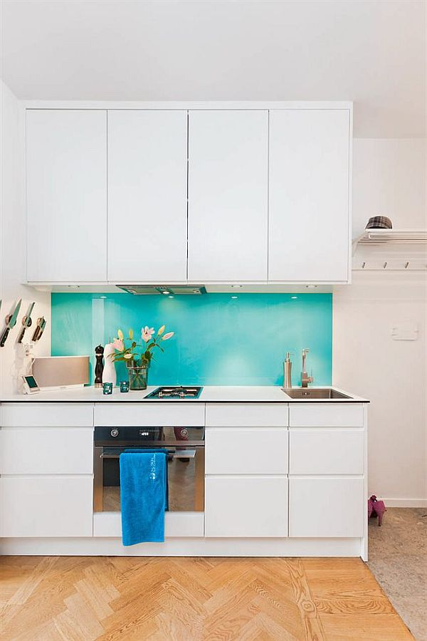 House with turquoise color accents - Glass splashbacks usa ...