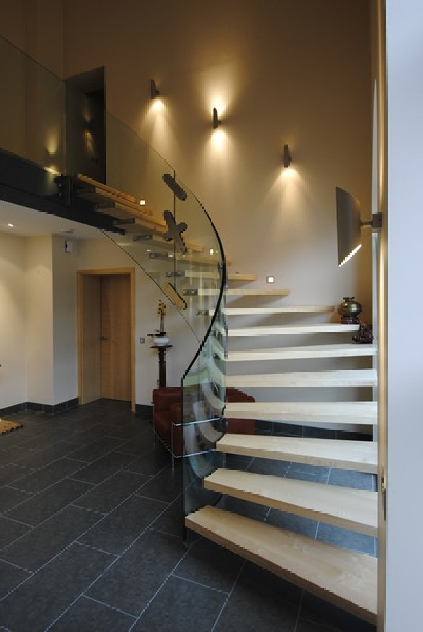 14 modern indoor stairs for Modern house stairs