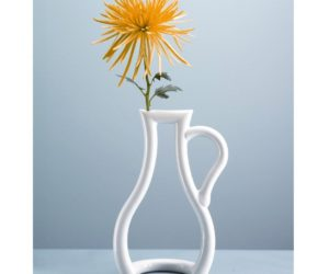 Outline Vase from Mocha