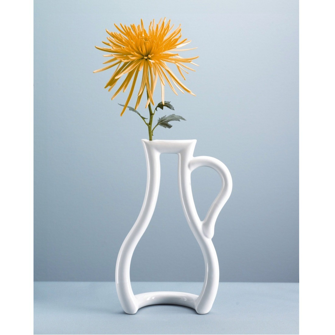 Outline Vase From Mocha