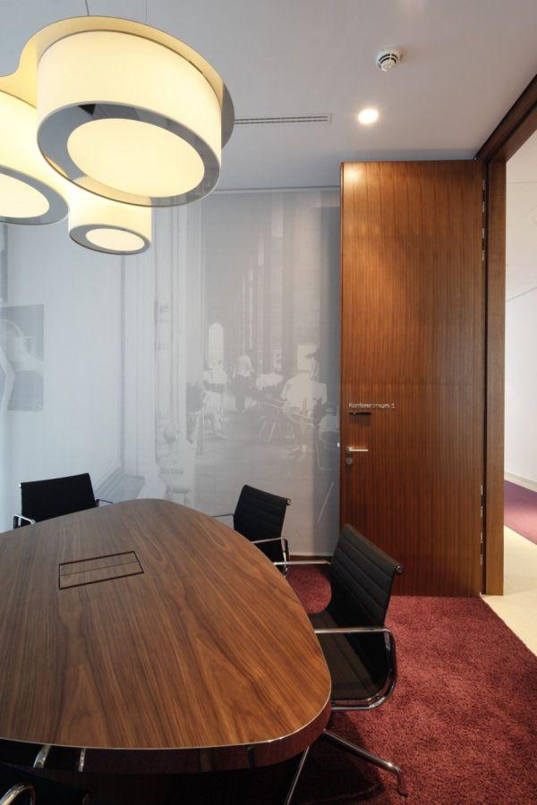 Clean, Elegant Office Interior By Landau + Kindelbacher Architects