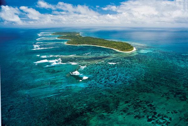 Elegant Tropical Desroches Island Resort Idea