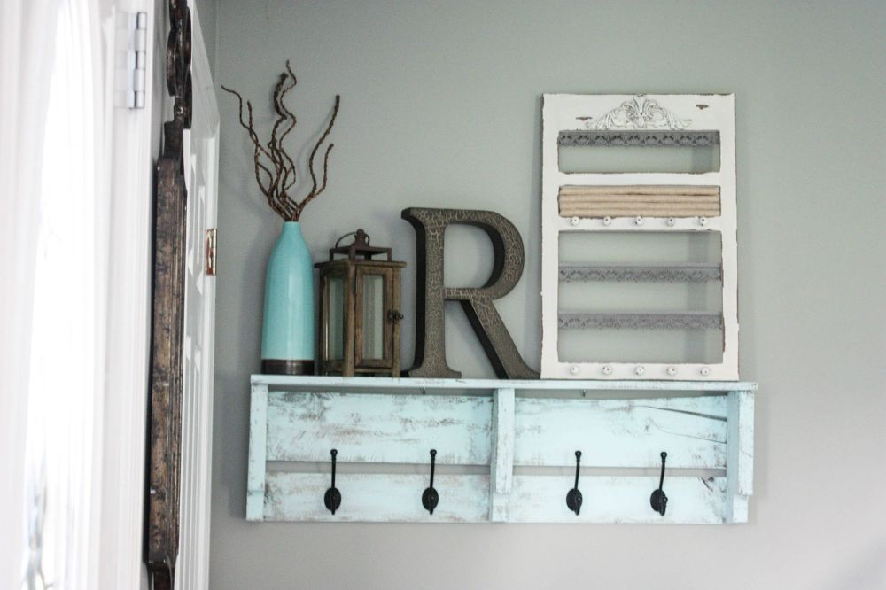 Easy diy pallet coat rack project