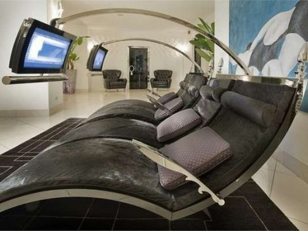 Gothic Style Lounge with LCD by IPE Cavalli